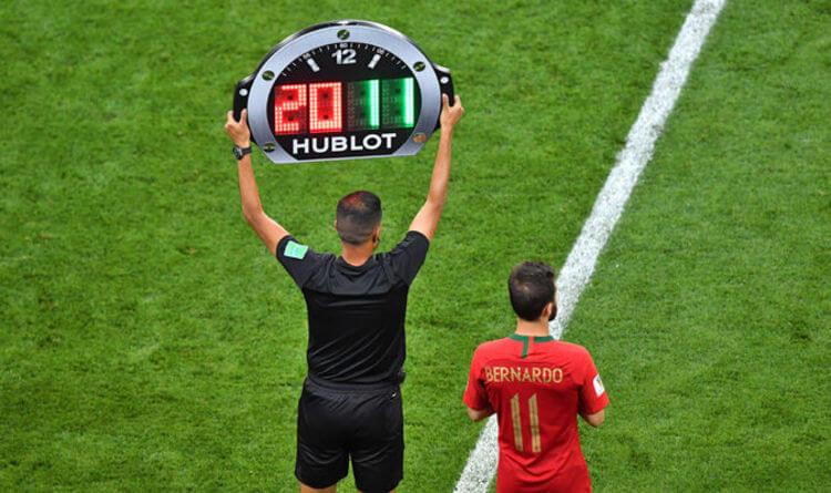 Luật thay người trong bóng đá mới nhất hiện nay