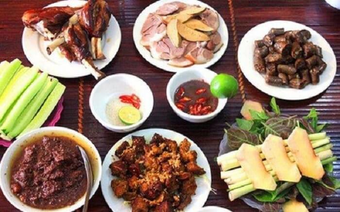 Thịt chó là một trong những món ăn được nhiều người lựa chọn để giải đen